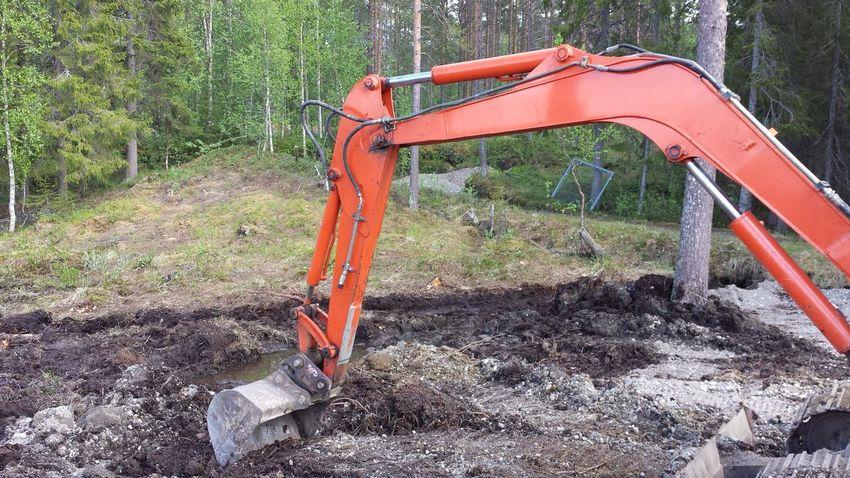 EyeEm Selects Day No People Outdoors Exgevator Arm Metal Machinery Machine Excavator Dirt BIG Digging Holes Muddy Digging Caterpillar Tree