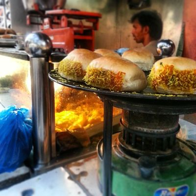 Instagram Mumbai Mumbaimag MumbaiPC igersmumbai instapicture instahub streetfood dabeli food