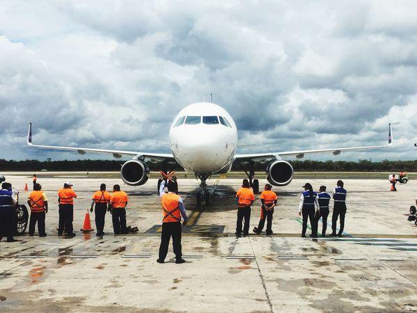 De frente 😮 Cancun☀ CancunMexico🌙 Cancun❤️ Aeropuertos Volarismexico Vacaciones🌴
