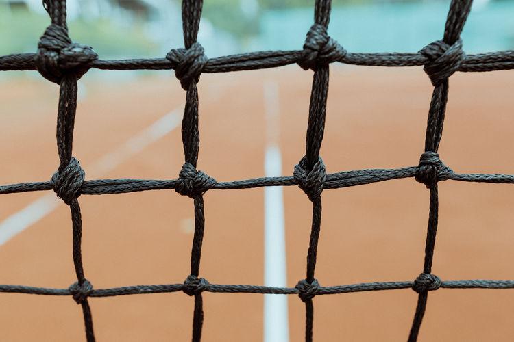 Tennis net Draußen Sandplatz Tennis Asche Ash Close-up Close-up Shot Close‐up Photography No People Outdoors Sport Tennis Court Tennis Net Tennisnetz