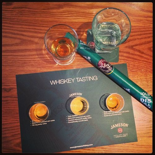 Whiskey tasting at #Jamerson's... #tbex Whiskeytbex Jamesondistillery Whiskeytasting Travel Jamerson Dublin Tasting Jameson Reisen Distillery Travelblog Travelblogger Tasteup Lovedublin Tbex