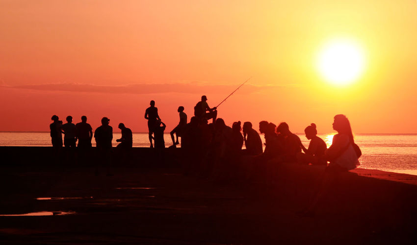 Been There. El Malecón, La Havana Havanna, Cuba Beach Beauty In Nature Enjoyment Fun Large Group Of People Leisure Activity Lifestyles Men Nature Orange Color Outdoors Real People Sand Scenics Sea Silhouette Sky Sun Sunset Togetherness Vacations Weekend Activities