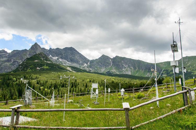 Air Temperature Measurement High Mountains Measurement Of Humidity Precipitation Pressure Measurement The Measurement Of Wind Speed Weather Weather Change Weather Forecast Weather Station
