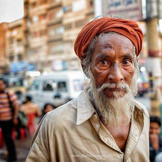 From the streets of Karachi Today Karachites Karachi Pakistan Ilovekhi ProjectGH Ghalibhasnain Portrait Streets