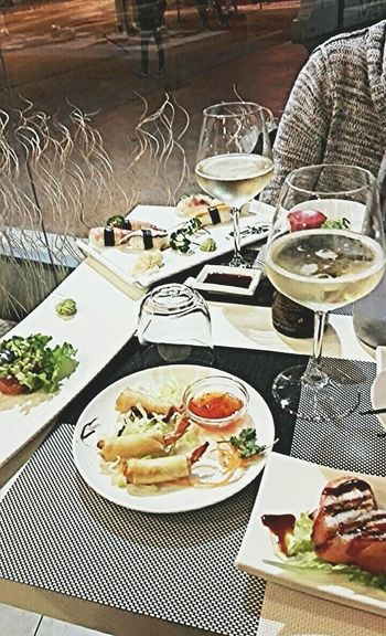 Dinner Time Dinner With My Love Love ♥ Sushi Time All You Can Eat Food Fat Eat Eat And Eat Wine Sushilover Sushi! Fish Elegance Everywhere Bella Vita