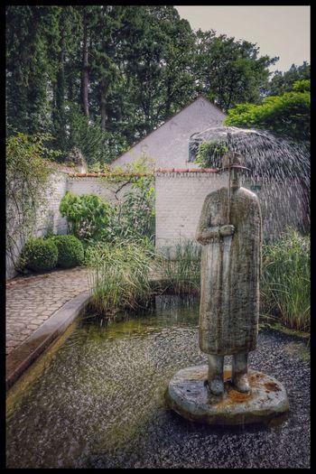 Folon... Folon Fountain Art ArtWork Garden Water
