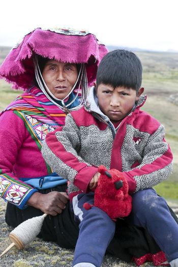 Hat Peru Peruvian Clothes Peruvian Culture Woman And Child Peruvian Peruvian Costume Peruvian Culture Peruvian Hat Peruvian Weaver Peruvian Woman Peruvian Woman And Child Peruvian Woman With Kid Quechua Quechua Culture Quechua Weaver Quechua Woman South America