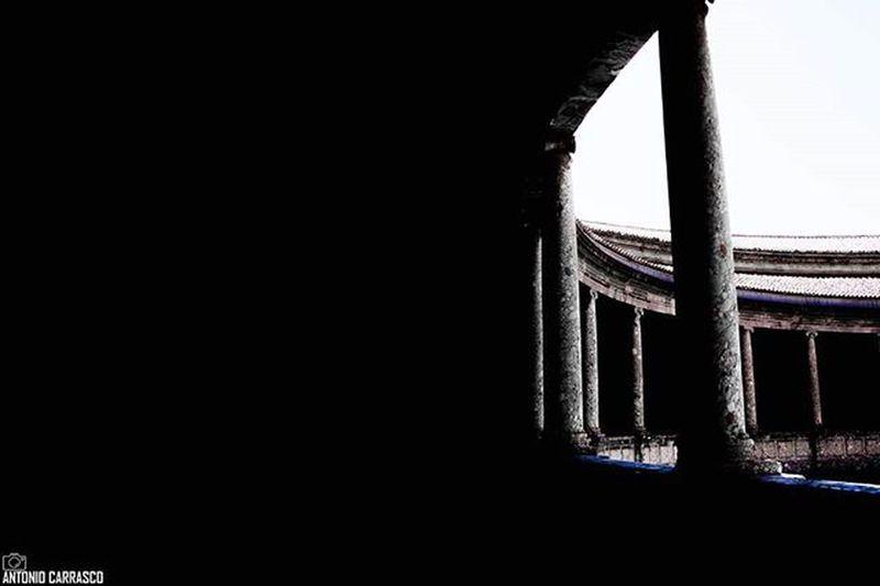 Palacio de Carlos V, Granada [Camara: Sony Alpha a3000] Vscocam VSCO Vscogood Sonyalpha Alpha3000 Sonyimages Sony_shots Picoftheday All_shots Bestoftheday Photooftheday Snapshot Igers Instagood Granada Ig_granada DreamingGranada Loves_granada Ok_granada Ok_andalucia Andalucia_monumental Andaluciaviva Landscape Beautiful Blackandwhite ⬇Visitad mi blog⬇ www.wundereview.wordpress.com