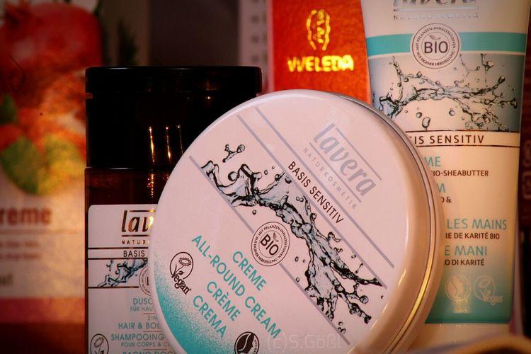 Work Arrangement Natural Cosmetics Truenature Crème Body Care Products Cosmetics Drugstore Lavera Basic