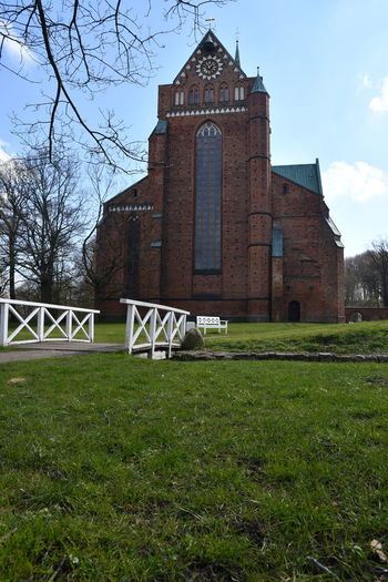 Zu Besuch in Bad Doberan Bad Doberan Münster Kirche Church Church Architecture Mecklenburg-Vorpommern Architecture Built Structure Grass Religion Plant Building Exterior Belief Spirituality Sky Nature Place Of Worship Tree Building Field Bare Tree No People Day Outdoors