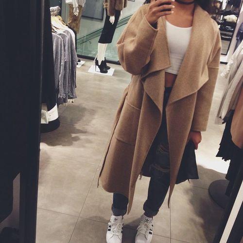 Ripped Jeans Selfie Fashion Street Fashion