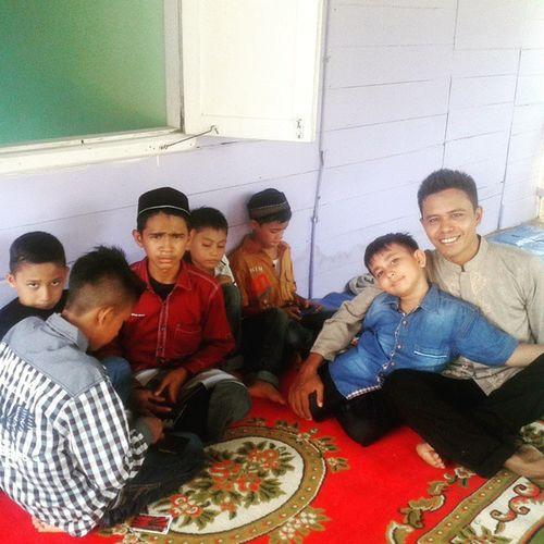 Indahnya kebersamaan di hari yang Fitri   Ponakan udah pada gede   di kampoeng halaman   Gampong Lambatee, Darul Kamal, Aceh Besar   Selamat hari raya Idulfitri1436h Acehbesar Aceh Fotoaceh Iger Ig_aceh Silaturrahim Tagsforlike Instamood Hollydays