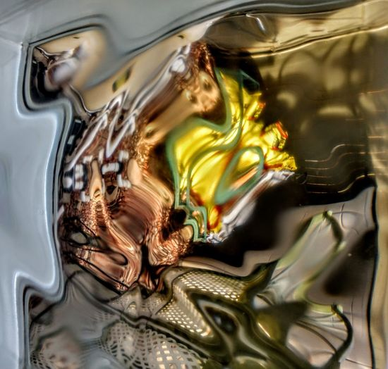 moment when color and movement converge Liquid Colors Abstractart Water Molten Gold Colored Liquid Multi Colored Gold Yellow Abstract Bubble Close-up Dissolving Flowing Rippled