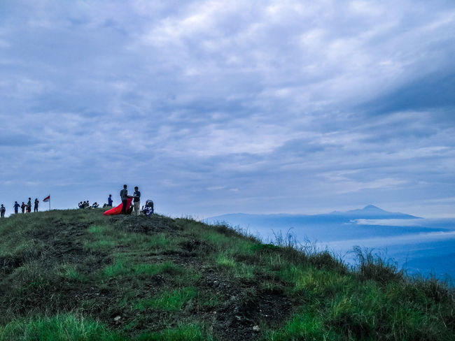 Summit Summit View Landscape Outdoors Sky Day People Beauty In Nature Grass Eyem Collection Landscape_captures EyeEm Gallery Eyem Nature Lover Eyemphotos Landscape_Collection Eyem Best Shots Nature_collection EyEmselect