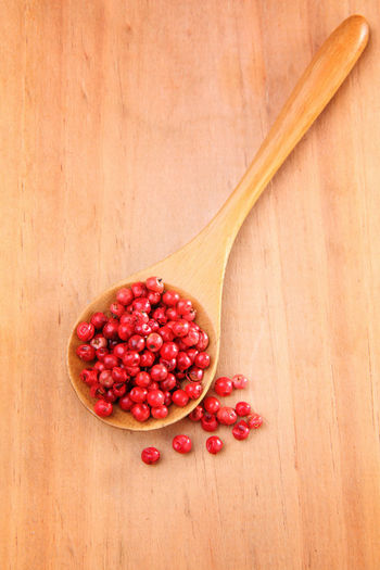 Red peppercorn or Brazil Pepper on wooden spoon Brazil Colors Cooking Cuisine Culinary PEPPERCORN Pink Seed Spicy Aroma Condiment Food Food And Drink Freshness Gourmet Healthy Eating Indoors  No People Pepper Red Peppercorn Round Spice Still Life Studio Shot Wellbeing