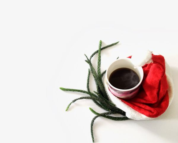 Hotcoffee No People White Background Freshness Still Life StillLifePhotography Copy Space Eyeemphotography EyeEm Best Shots EyeEm Gallery EyeEmBestPics Eye4photography  Leisure Activity Lifestyles Coffee Time Coffeelover Happy Weekend !!! Happy Time MerryChristmas Christmas Decoration