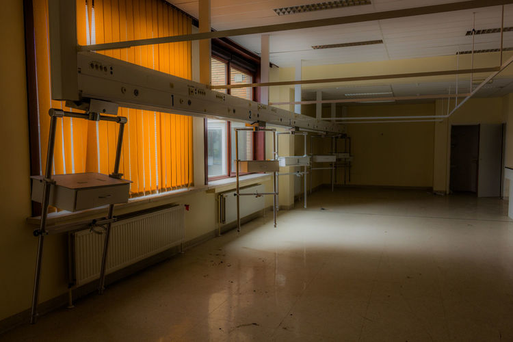 Hospital Recovery Room Old Urbex Urbexphotography Urban Urban Exploration Abandoned Photo Photography Photooftheday Love Me Canon Prison Confined Space Domestic Room Industry Home Interior Factory Business Finance And Industry Architecture Built Structure