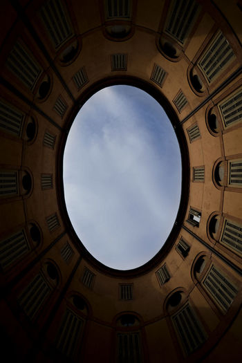 Italia Low Angle View Travel Architecture Building Built Structure Circle Day Indoors  Italy Low Angle View No People Oval Pattern Sky Sky Window Villa Village Window Windows