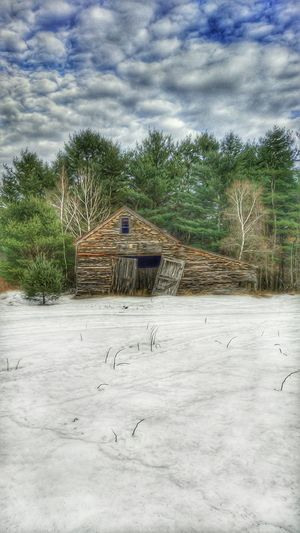 The Barn Revisited... Mainephotographer Mainephotography NewEnglandWinter Mainethewaylifeshouldbe Newenglandphotographer Snowscape New England's Endless Beauty! New England Charm Maine Winter New England Winter