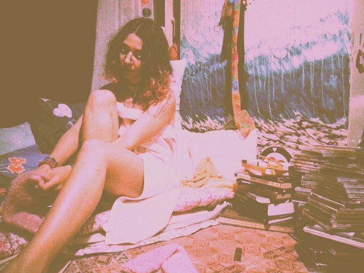 Instagram:deadlyidea Lifestyles Real People Adult Human Hand One Person Vacations Young Women Young Adult Cultures Palaroid Oldschool Retro Instagram_turkey Retromatic Roadtrip Retrica✌ Vintage Photography Vintage❤ Cutegirl Love Without Boundaries Bohemian Bohemia Bohem Laboheme Bohochic