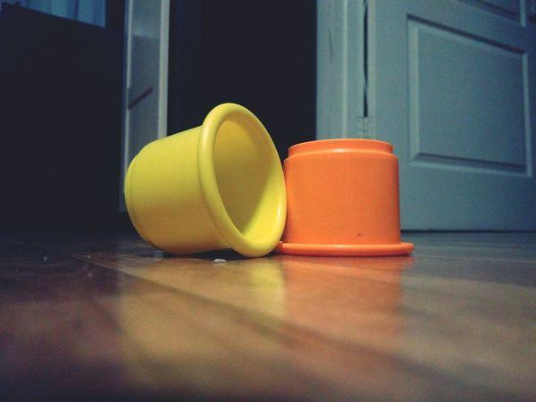 Игры сын  цилиндры оранжевый желтый