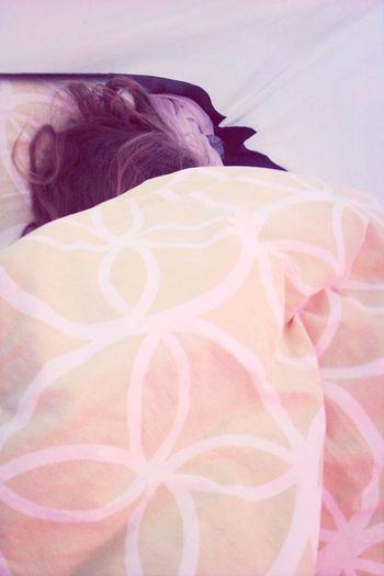 sleeping with bff <3