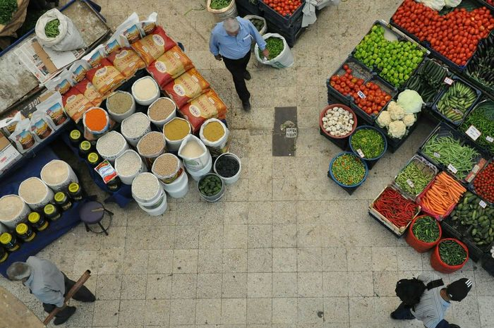 3.3.3 Shopping ♡ Shopping Time Pazar Colors Colorful Color colour of life Enjoying Life EyeEm Selects EyeEm EyeEm Gallery Konya Turkey Green Konya Turkey Konyaphotography Choice Market Arrangement Variation Retail  Price Tag High Angle View For Sale Food And Drink Shop