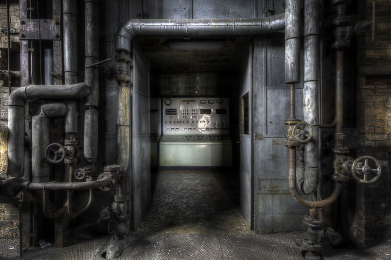 Abandoned Places Decay Building Built Structure Factory Fuel And Power Generation Indoors  Industrial Building  Industrial Equipment Industry Machine Valve Machinery Metal No People Old Pipe - Tube Pipeline Technology Urbex Urbexphotography Valve