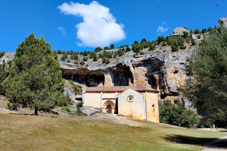 A little church in the middle of a natural park Architecture Nature Walking Sky Soria Tree Travel History Trekking Mountain Naturaleza Parque  Senderismo Viajar Cloud - Sky Building Exterior Built Structure Old Ruin Raconets Viaje No People Silence Quiet Moments Quiet Places Lovely