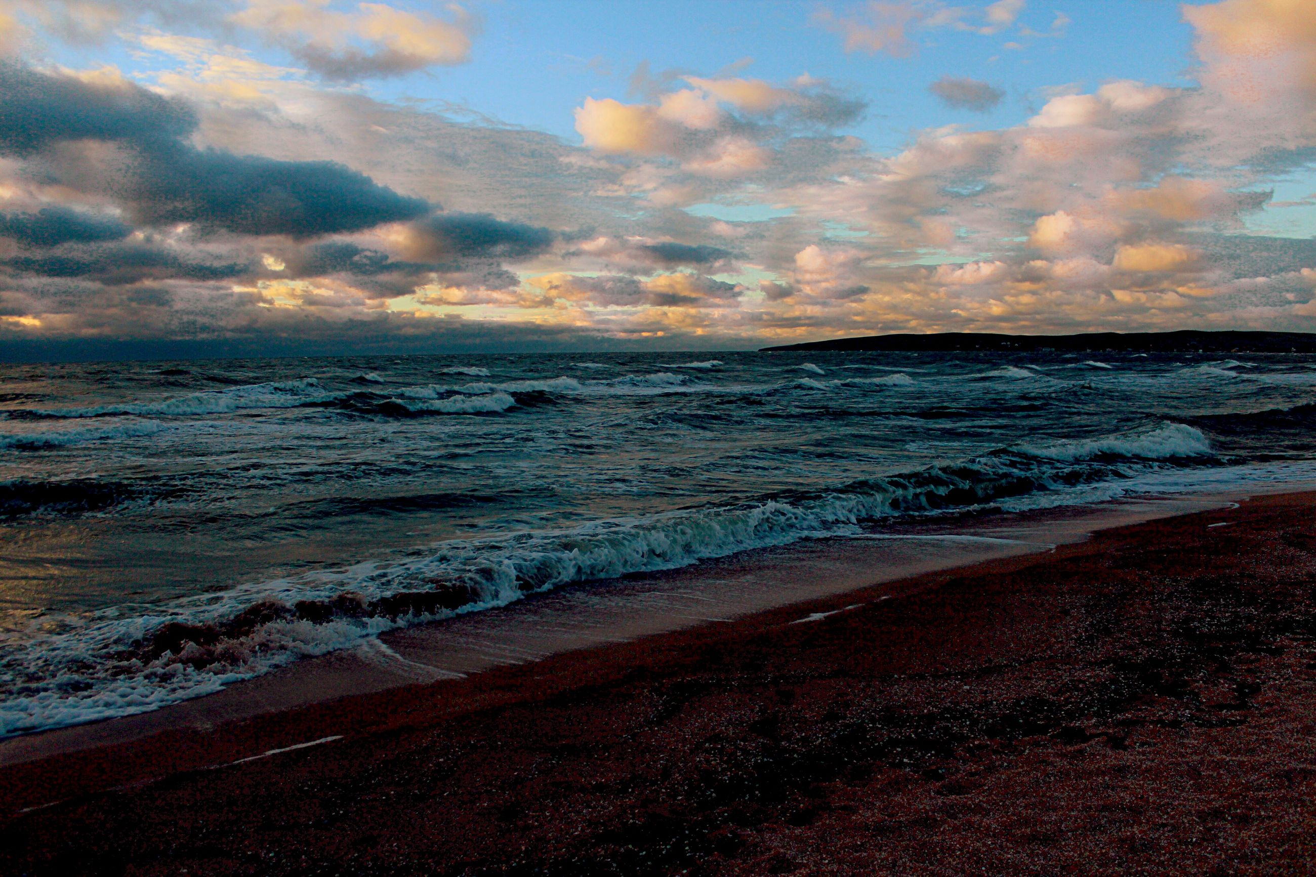 sea, horizon over water, beach, water, sky, scenics, tranquil scene, shore, beauty in nature, tranquility, cloud - sky, wave, sunset, nature, sand, idyllic, cloudy, surf, cloud, coastline