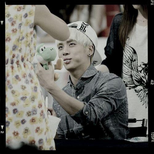 Dino bby @ fansign Jonghyun Shinee