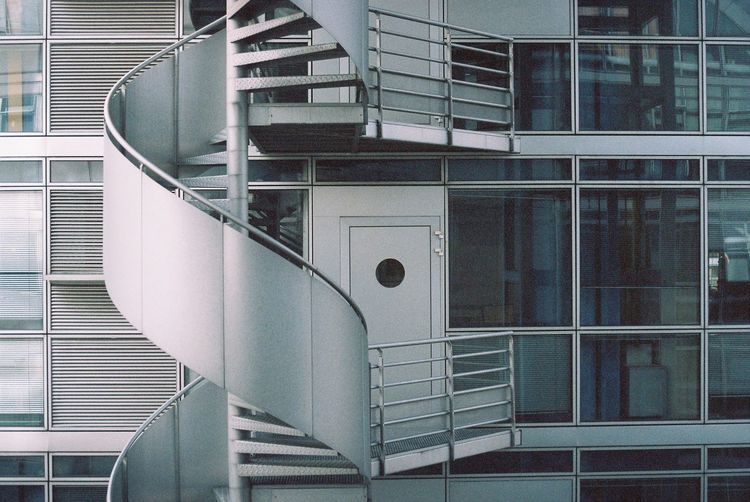 Leica R4 Kodak Gold 200 Expired Film 135film Besancon The Graphic City Staircase Steps And Staircases Architecture Railing Steps Built Structure Spiral