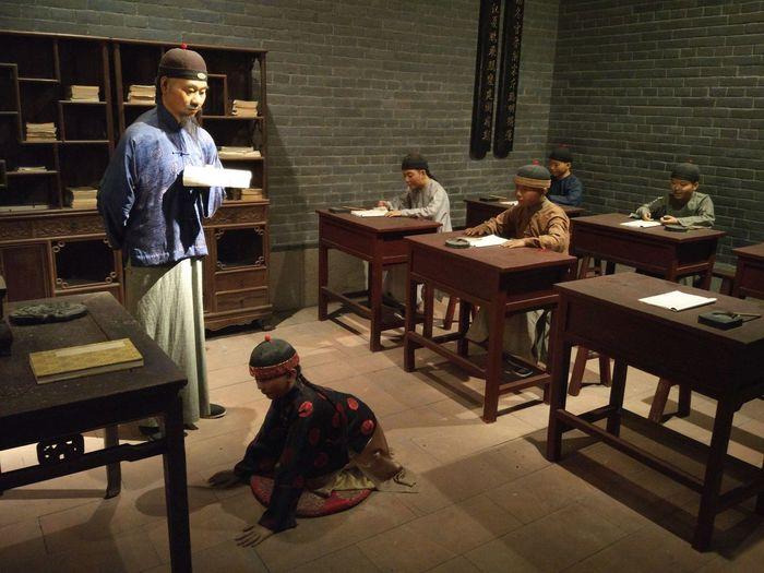 Art Gallery Museum Shenzhen China Models School Life  TeachingTeacher❤️ PUPILS Show Respect First Day Of School