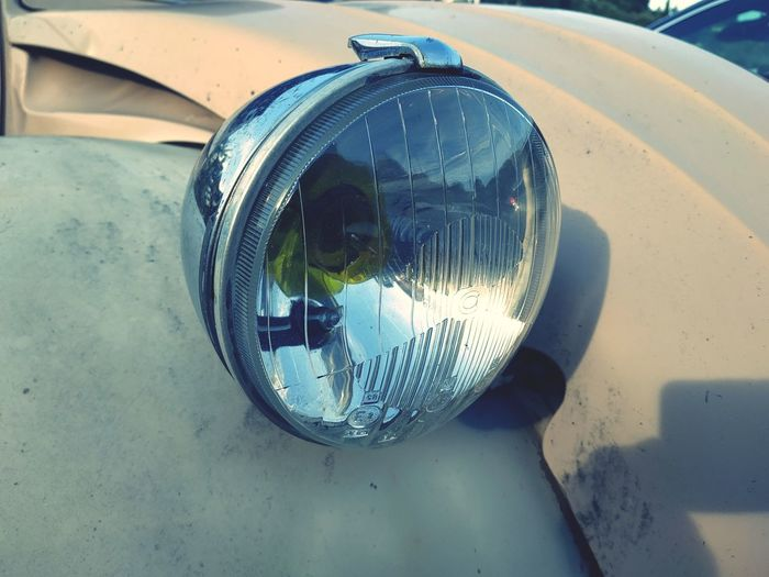 EyeEmNewHere EyeEm Gallery Smartphonephotography Xiaomi Streetphotography Light Car Equipment Diane 2cv Citroen 2cv Water Reflection Close-up Reflector Settlement Transparent Windshield Car Wash Wet Geometric Shape Glass - Material Car Point Of View